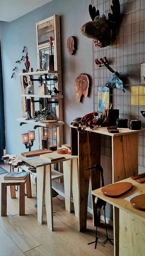Bijzondere Design Stoelen.Naast Allerlei Bijzondere Lampen Verkopen We Diverse Andere